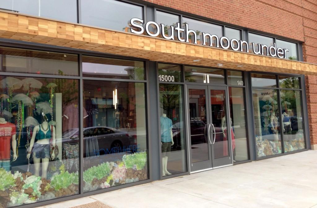 South Moon Under, Stone Bridge Shopping Center, Virginia