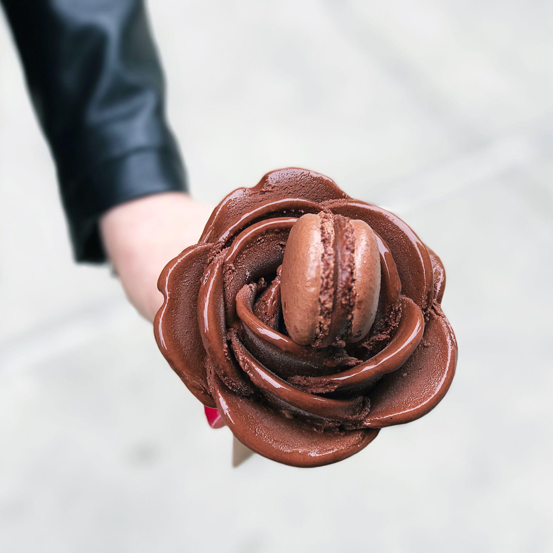 Amorino Chocolate Rose