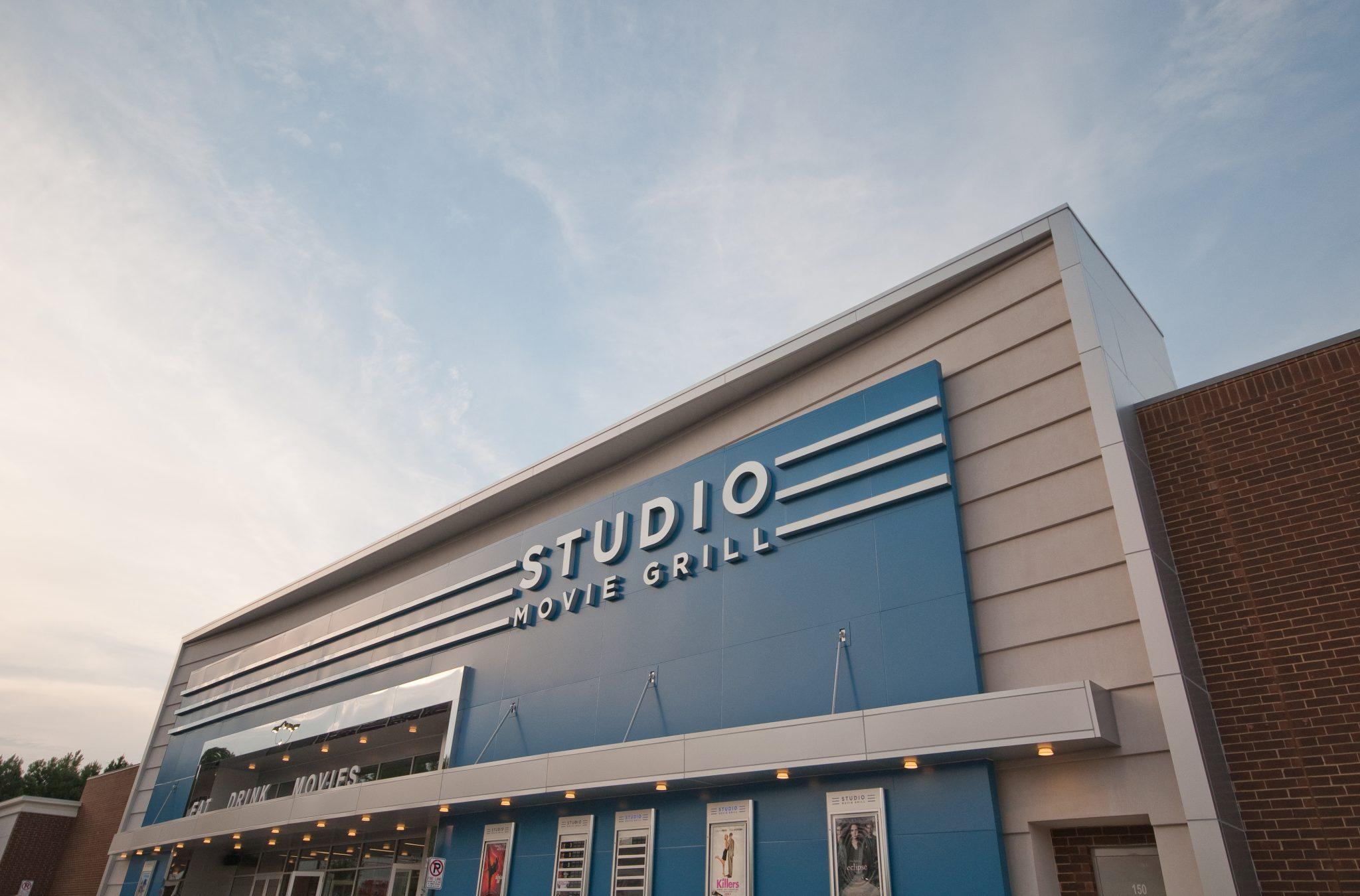 Studio Movie Grill Marietta Exterior