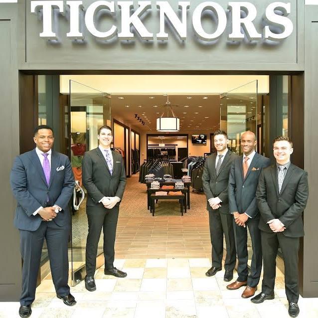 Ticknors Phipps Plaza