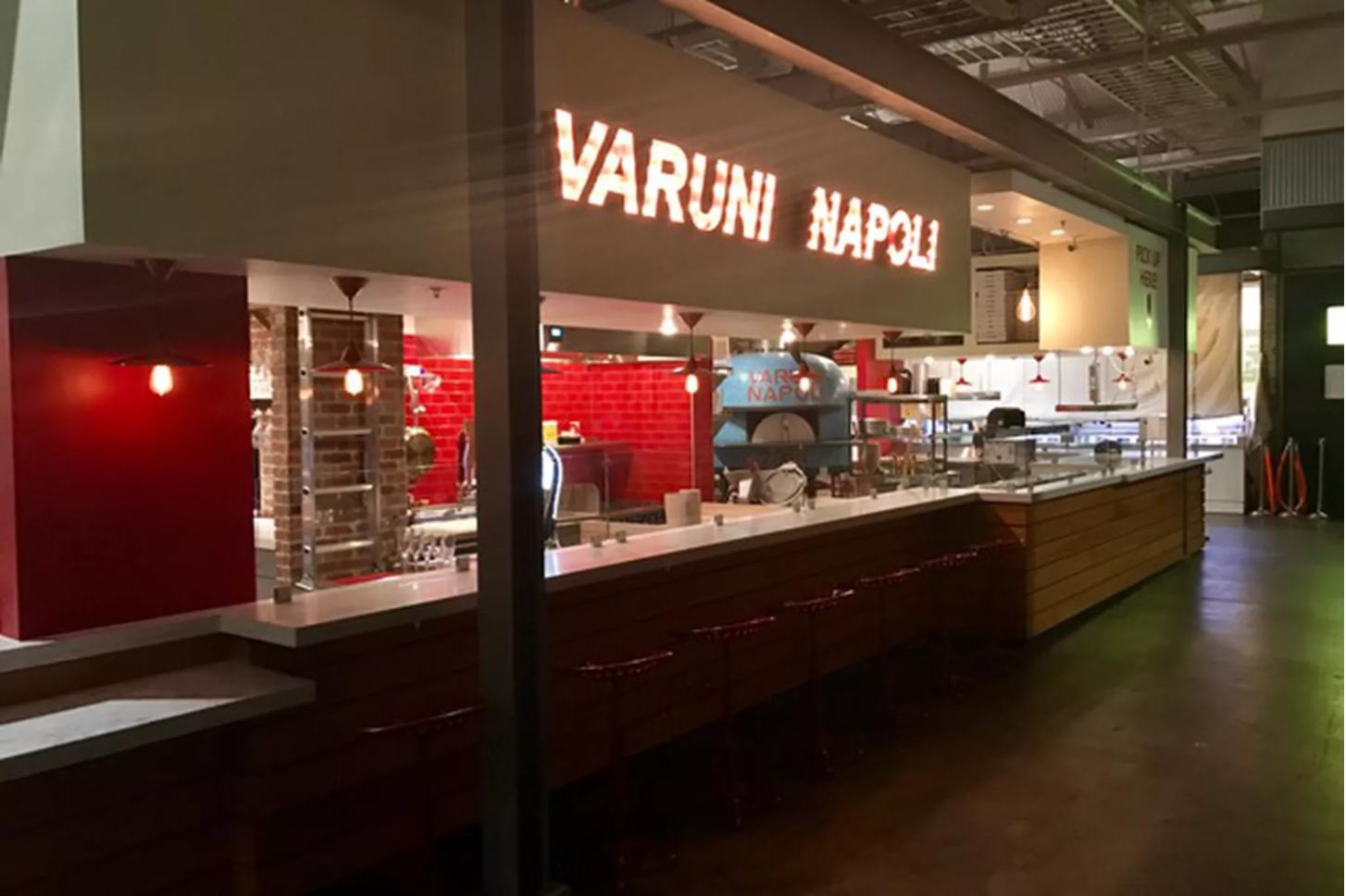 Varuni Napoli Krog Street Market